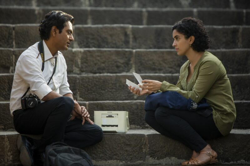 Rafi (Nawazuddin Siddiqui) und Miloni (Sanya Malhotra), Joe D'Souza Amazon - © Courtesy of Amazon Studios