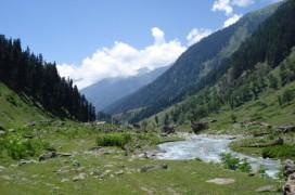 Natur ist das Pfund, mit dem Kashmir wuchern kann. Was liegt da näher als ein Campingplatz. Foto: Julie Starr