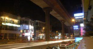 Hundred Feet Road, die umsatzstärkste Einkaufsstraße in Indiranagar, Bangalore, Foto: Adkrish22290