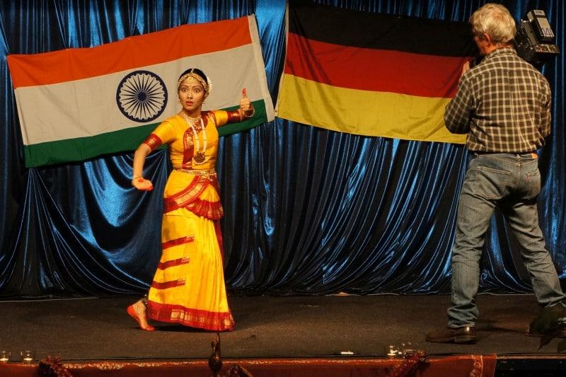 DIG Diwali1 22.11.14