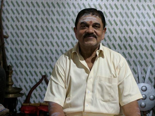 Kalari-Lehrmeister und Ayurveda-Arzt: Prabhakaran Gurukkal vom Madhumati Kalari in Cochin.