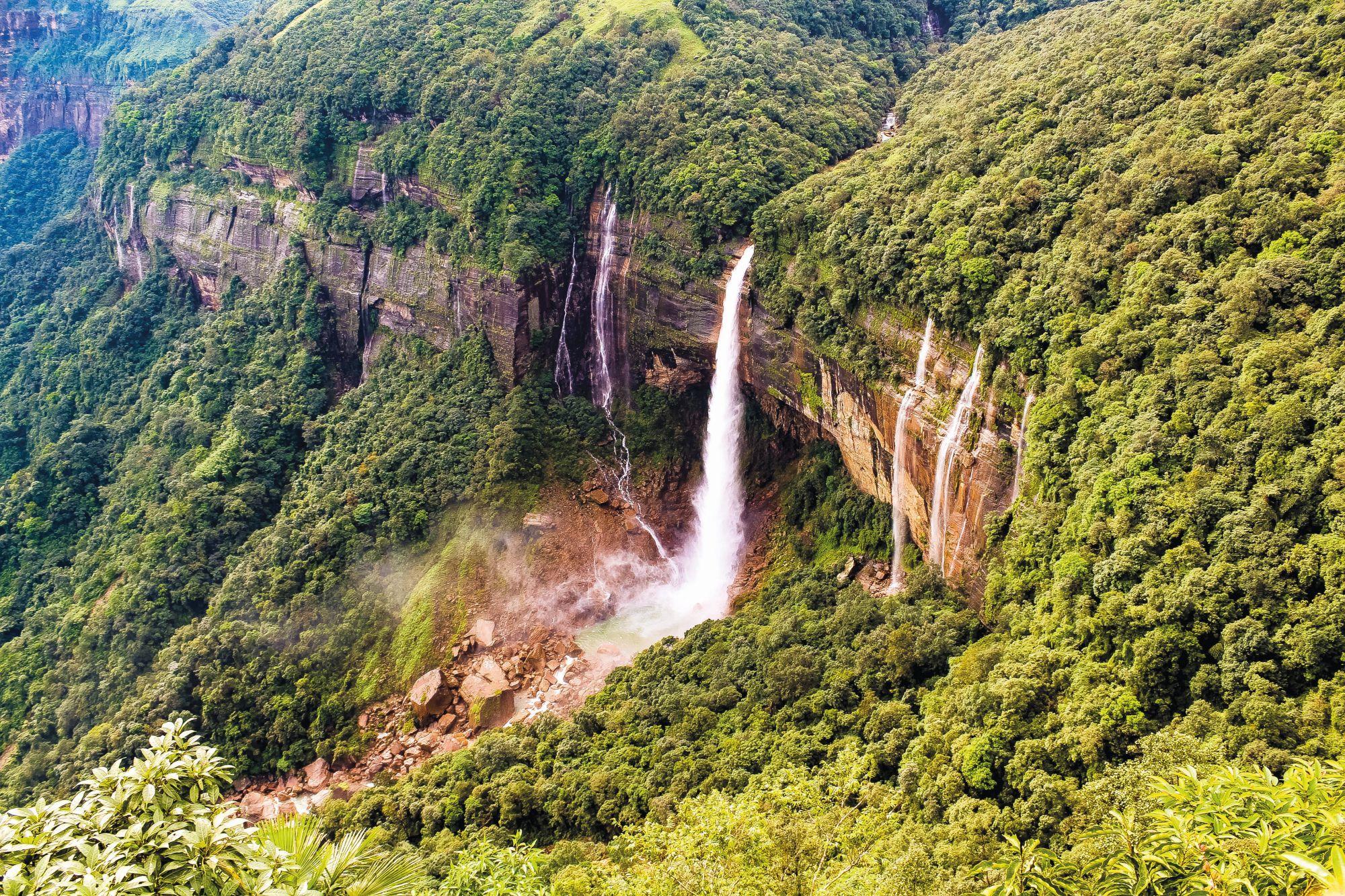 Schönheit von Khasi Hills, Cherra Punji/Sohra, Nohkalikai Falls. Meghalaya
