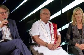 Gert Scobel, Dr. Shri Balaji També und Nina Ruge. Foto: Santulan Veda e. V.