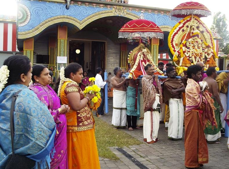 Prozession im Sri-Kamadchi-Ampal-Tempel in Hamm. Foto: Sri-Kamadchi-Ampal-Tempel