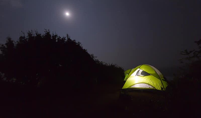 ... und abends unter den Sternen zelten. Foto: letscampout