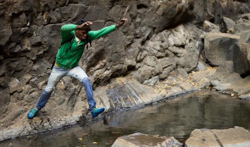 Auch so mancher weite Satz von Fels zu Fels muss sein. Foto: letscampout