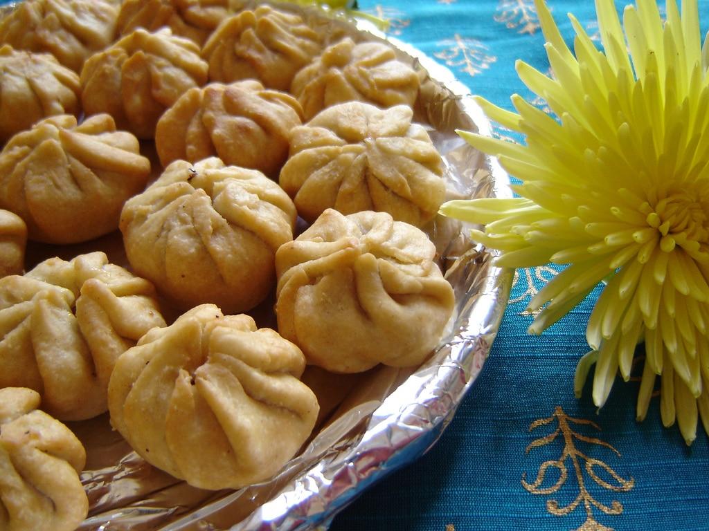 In Südindien isst man gern die süßen Modaks zu diesem Fest. Foto: Anupama (flickr)