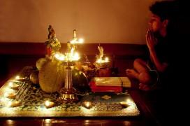 Eine Puja zu Hause. Foto: Aaron Kalandy
