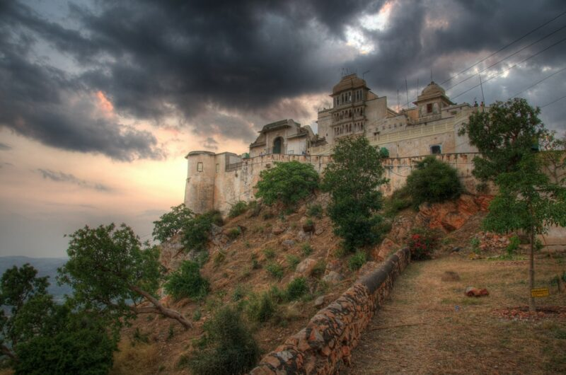 Monsoon Palace in Udaipur. Foto: Andrew Miller
