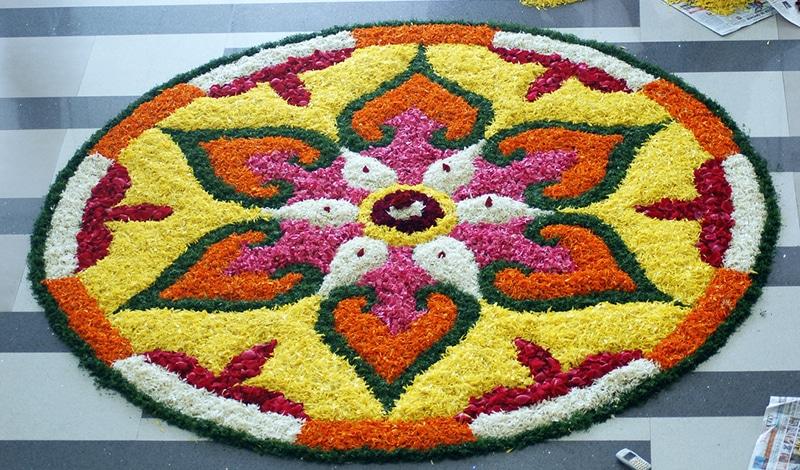 Schöne Muster aus Blumen zu Onam. Foto: Asif Musthafa