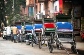 Rickschas in Kolkata. Foto: Bengal foam
