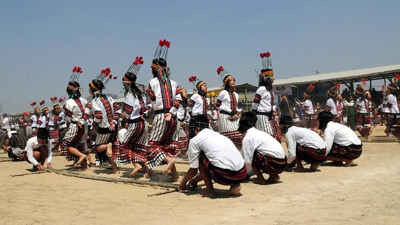 Ein Tanz während des Chapchar Kut 2010