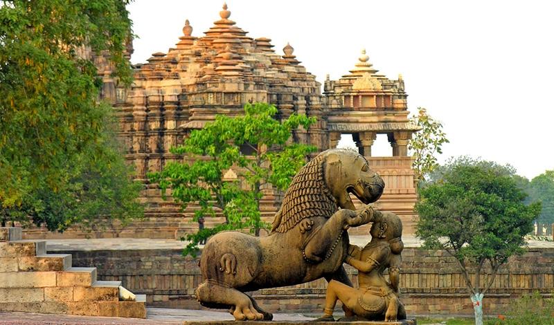 Darstellungen von Löwen findet man in Indien reichlich (hier: bei den Tempeln von Khajuraho). Foto: Dennis Jarvis
