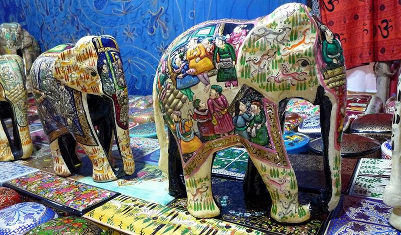 Kunstvolles Kunsthandwerk (wie hier aus dem Himalaya) kann man beim Goa Lokotsav Folk Festival erwerben. Foto: Dietmut Teijgeman-Hansen