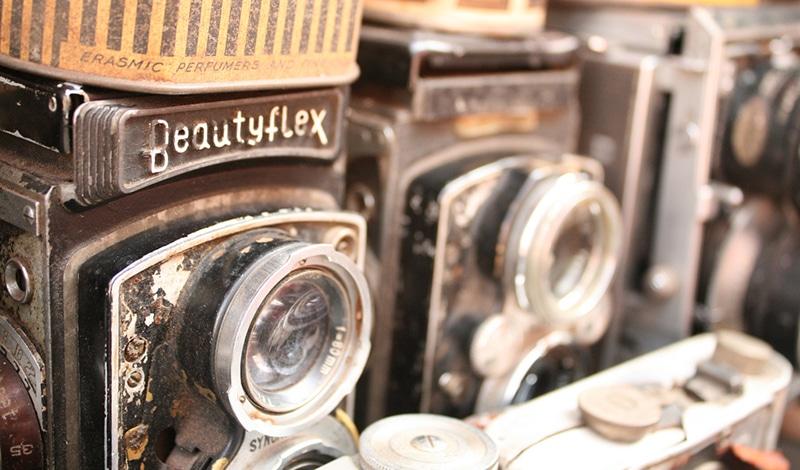Antike Fotoapparate auf dem Chor Bazaar. Foto: Glenna Barlow