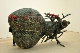 """""""An Absence of Assignable Cause"""" von Bharti Kher in einer Ausstellung der Londoner Saatchi Gallery 2010. Foto: Jennifer Boyer"""