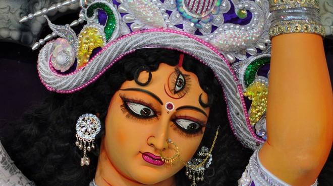 So reich geschmückt werden die Durga-Statuen in Kolkatas Kumartuli-Viertel. Foto: KG. Abhi