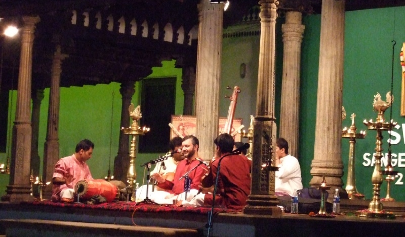 Rama Varma bei einem der früheren Swathi Sangeethotsavams. Foto: Magnus Manske
