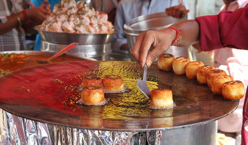 Street Food findet man in Mumbai an jeder Ecke. Foto: Marco Zanferrrari