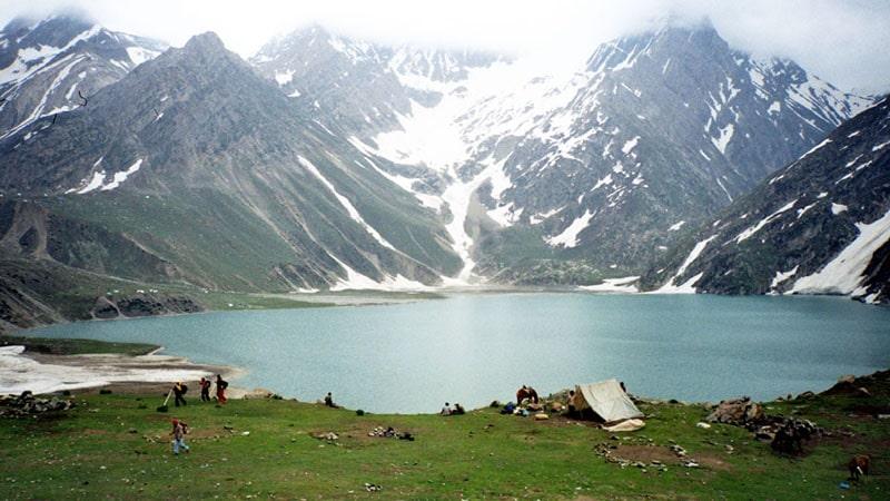 Camp in den Bergen zur Amarnath Yatra. Foto: Nitin Badhwar