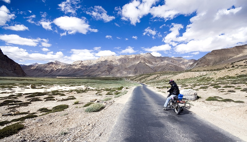 Motorradtour im Himalaya. Foto: Prabhu B. Doss