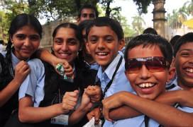 In den Schulklassen Indiens herrscht nun fast Gleichstand zwischen Jungen und Mädchen. Foto: Roger Price