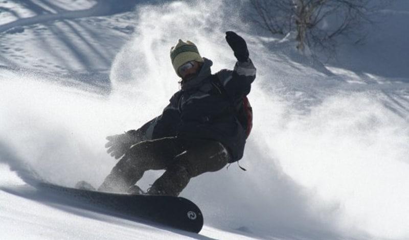 Snowboarden in Gulmarg (Jammu & Kashmir). Foto: Sailing Nomad