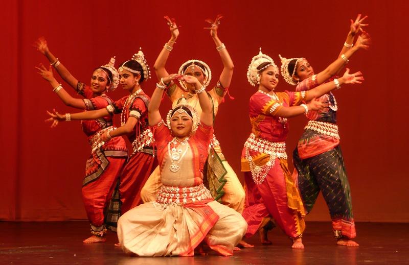 Einer der Tänze, die in Konark gezeigt werden (dieses Mal indoor). Foto: Vas Bhandarkar