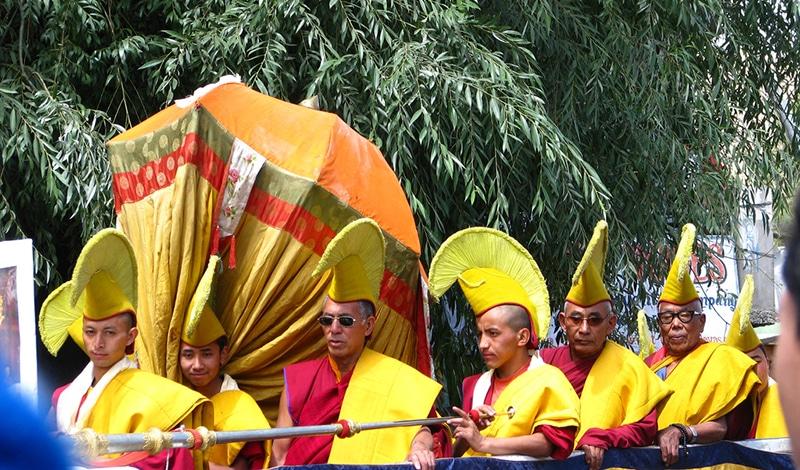 Eine Gruppe von Mönchen beim Festival. Foto: Anoop Madhavan