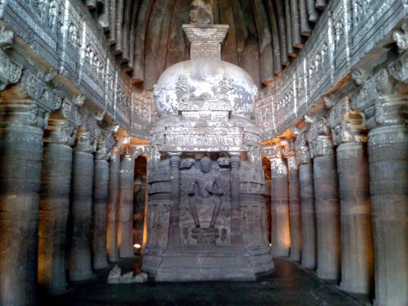 Die Ajanta-Höhlen kann man bald auch im Internet auf einer virtuellen Tour besichtigen. Foto: ddasedEn