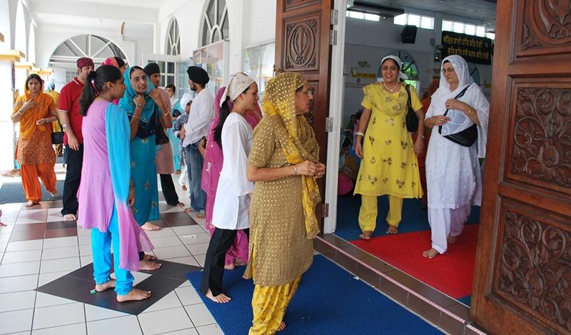 Vaisakhi - Frauen in ihren schönsten Saris