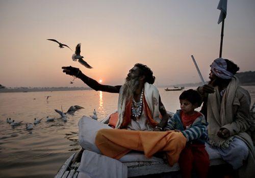 Abendstimmung am Ganges (Faith Connections, by Pan Nalin © 2013 Cité Films – Jungle Book Entertainment – Virginie Films)