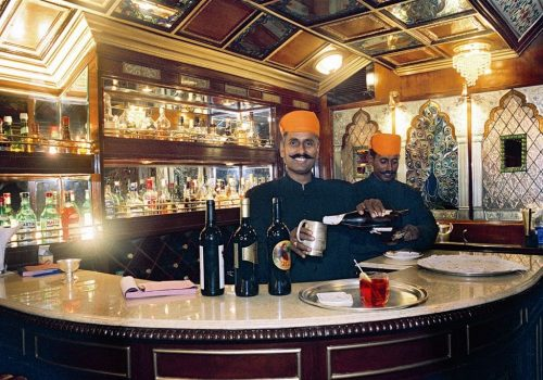Bar im Palace on Wheels Foto: Lotus Travel Service