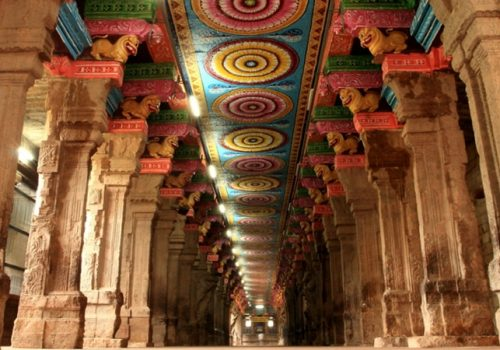 Säulengang im Minakshi-Tempel in Madurai. Foto: Simply CVR