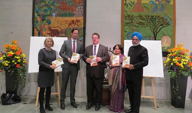 """Buchpräsentation """"Opportunity Beckons"""" in der Indischen Botschaft in Berlin"""