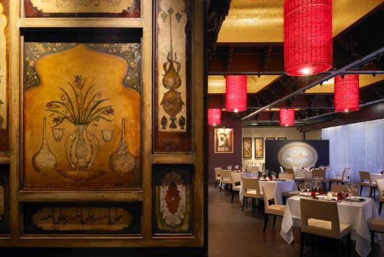 Interieur des Restaurants Varq in Neu-Delhi